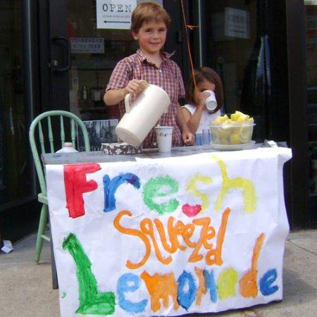 fresh-squeezed lemonade in OTR