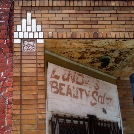 Linda's Beauty Salon Ghost Sign in Over-the-Rhine