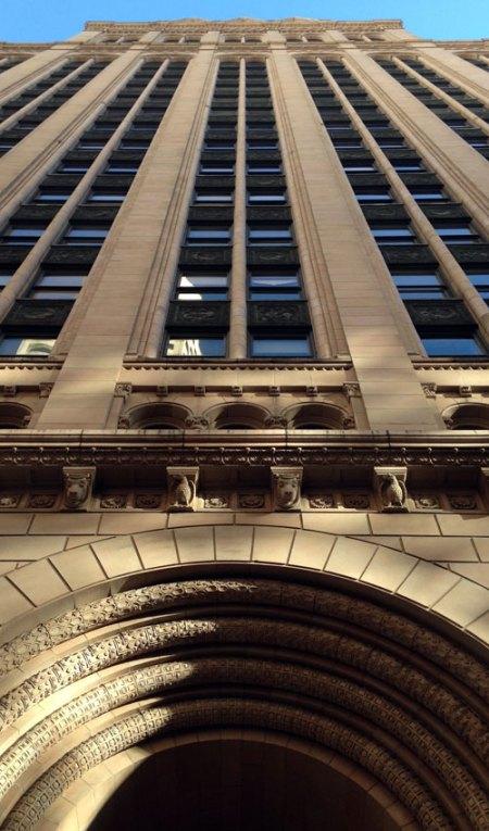 Hunter-Dulin Building by Schultze & Weaver
