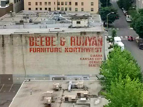 Beebe runyan furniture northwest ghost sign in seattle for Furniture warehouse seattle